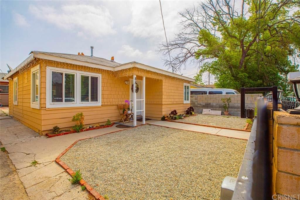 8812 Laurel Canyon Boulevard, Sun Valley, CA 91352 (#SR21094414) :: Power Real Estate Group
