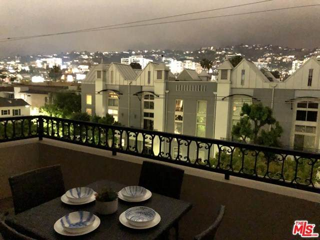 850 N Croft Avenue Ph 402, Los Angeles (City), CA 90069 (#21727572) :: Team Forss Realty Group