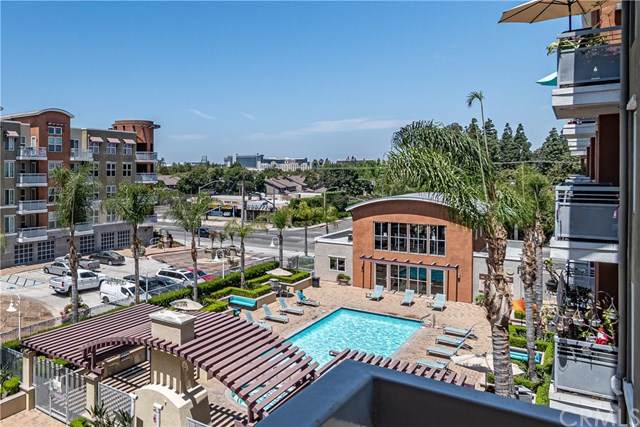 12668 Chapman Avenue #2301, Garden Grove, CA 92840 (#PW21096306) :: Team Forss Realty Group
