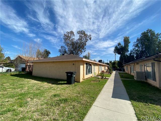 448 W 5th Street, San Jacinto, CA 92583 (#OC21096774) :: Team Tami