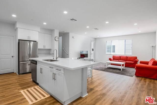 935 E Drapery Lane #935, Anaheim, CA 92802 (#21728380) :: Pam Spadafore & Associates