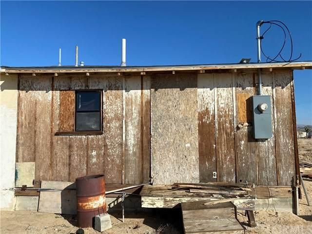 2360 Sand Drive, Landers, CA 92285 (#JT21096971) :: Pam Spadafore & Associates