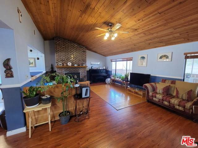 12341 Milpas Drive, Apple Valley, CA 92307 (#21728668) :: RE/MAX Empire Properties
