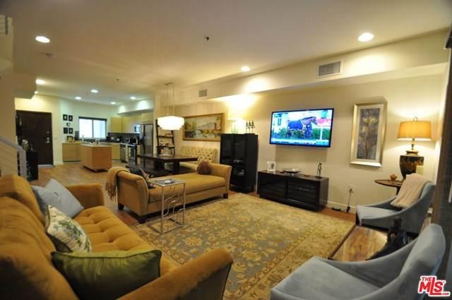 5016 Bakman Avenue #106, North Hollywood, CA 91601 (#21728270) :: The Brad Korb Real Estate Group
