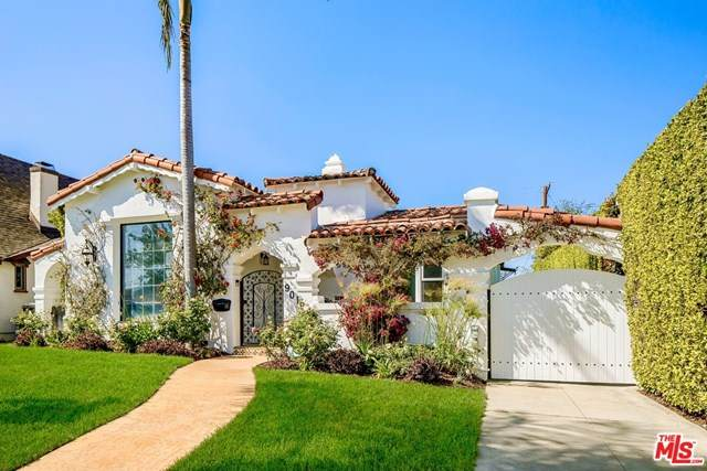 9019 W 24Th Street, Los Angeles (City), CA 90034 (#21727892) :: The Costantino Group | Cal American Homes and Realty