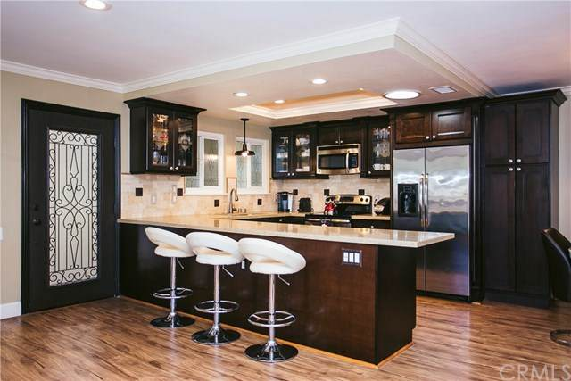 806 Ronda Mendoza N, Laguna Woods, CA 92637 (#OC21097023) :: Pam Spadafore & Associates