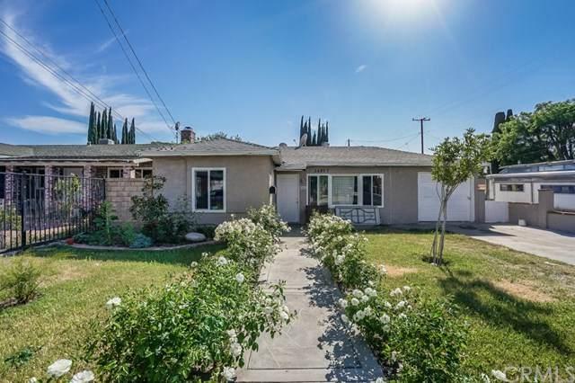 24897 Walnut Street, Newhall, CA 91321 (#SB21097427) :: Pam Spadafore & Associates