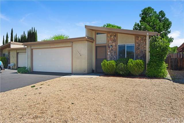 1738 Kings Drive, Paso Robles, CA 93446 (#NS21094253) :: Team Forss Realty Group