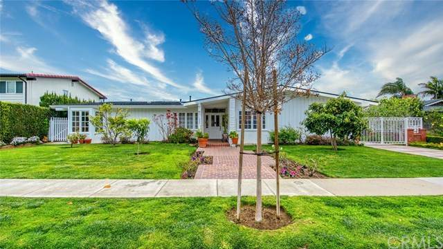 1530 Anita Lane, Newport Beach, CA 92660 (#NP21097210) :: Pam Spadafore & Associates