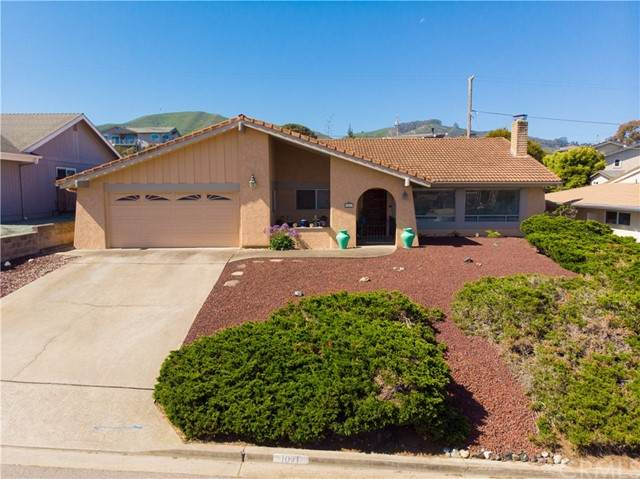1071 Green Oaks Drive, Los Osos, CA 93402 (#SC21094310) :: Team Forss Realty Group