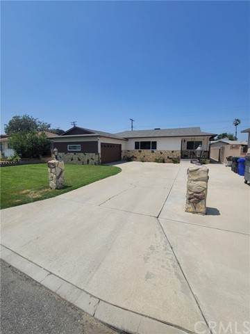 9980 Claremont Avenue, Bloomington, CA 92316 (#IV21097527) :: Compass