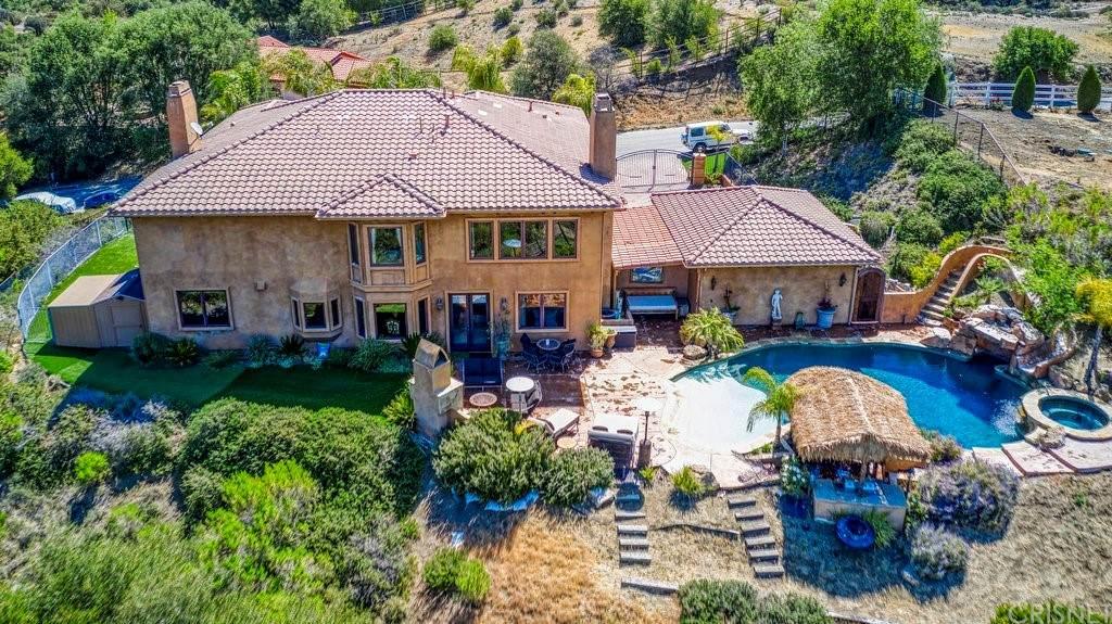 435 Woodbluff Road, Calabasas, CA 91302 (#SR21094785) :: Mainstreet Realtors®