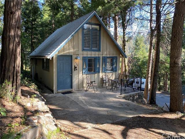 498 Valley Road, Crestline, CA 92325 (#OC21097245) :: The Costantino Group | Cal American Homes and Realty