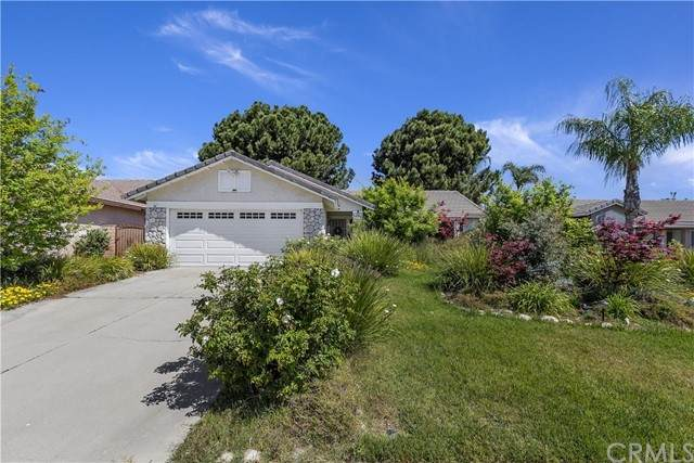 2630 W Loma Vista Drive, Rialto, CA 92377 (#SW21091680) :: Realty ONE Group Empire