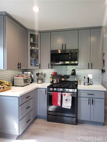 14945 Marlin Place, Van Nuys, CA 91405 (#SR21097706) :: The Brad Korb Real Estate Group