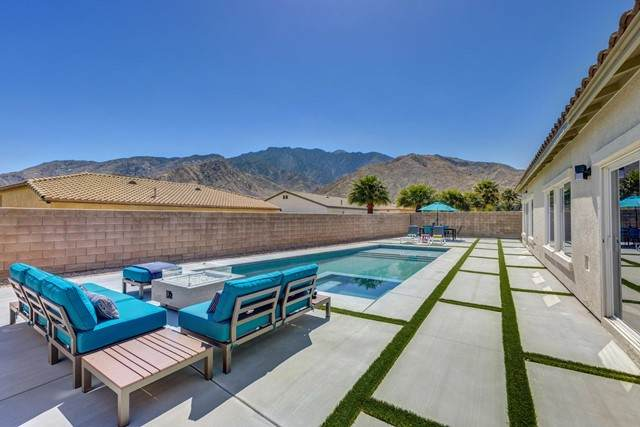 821 Summit Drive, Palm Springs, CA 92262 (#219061693PS) :: Compass