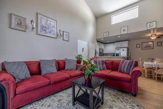 25035 Peachland Avenue #273, Newhall, CA 91321 (#221002434) :: Power Real Estate Group