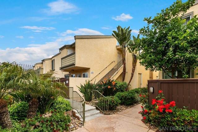 5404 Balboa Arms Dr #376, San Diego, CA 92117 (#210012205) :: The Costantino Group   Cal American Homes and Realty