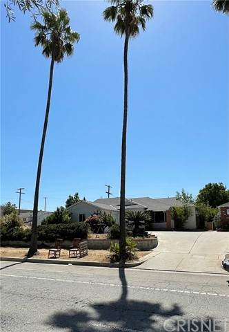 14612 Brand Boulevard, Mission Hills (San Fernando), CA 91345 (#SR21096593) :: Rogers Realty Group/Berkshire Hathaway HomeServices California Properties