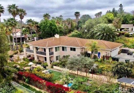 1626 Arrow Wood Lane, Vista, CA 92084 (MLS #SW21097935) :: Desert Area Homes For Sale