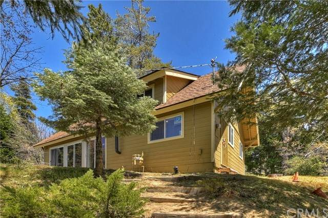 199 Fremont Road, Lake Arrowhead, CA 92352 (#EV21098081) :: Compass