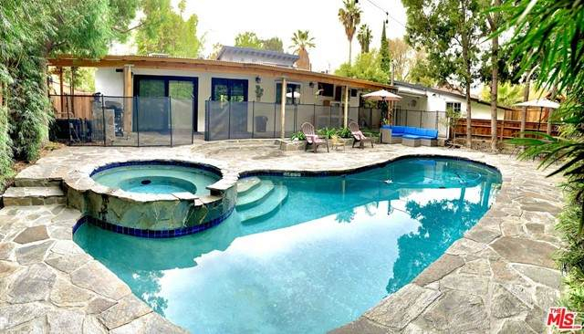 5700 Riverton Avenue, North Hollywood, CA 91601 (#21728552) :: Team Forss Realty Group