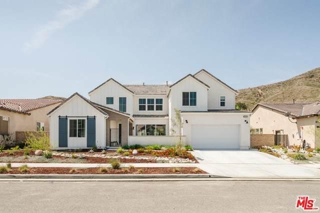 18694 Juniper Springs Drive, Santa Clarita, CA 91387 (#21729084) :: Mainstreet Realtors®
