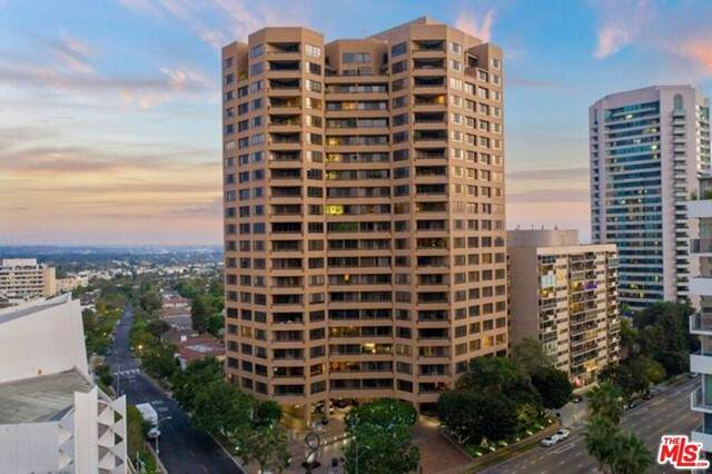 10430 Wilshire Boulevard #803, Los Angeles (City), CA 90024 (#21729164) :: The Bhagat Group