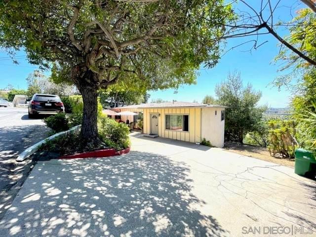 3632 Hartzel Dr, Spring Valley, CA 91977 (#210012266) :: Go Gabby