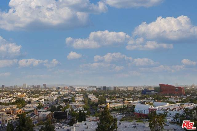 1100 Alta Loma Road #1206, West Hollywood, CA 90069 (#21728704) :: Mint Real Estate