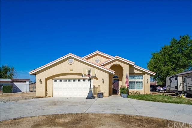 13118 Navajo Road, Apple Valley, CA 92308 (#EV21098222) :: RE/MAX Empire Properties