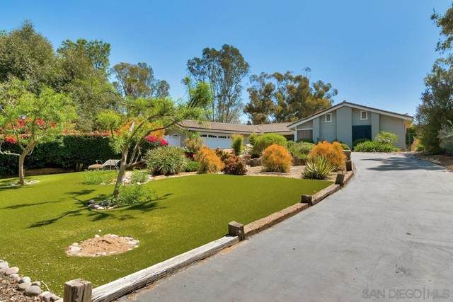 2068 Vista Hermosa Way, El Cajon, CA 92019 (#210012328) :: Power Real Estate Group