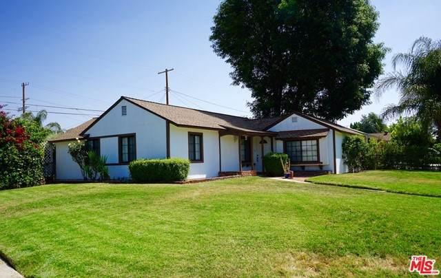 17625 Covello Street, Van Nuys, CA 91406 (#21728830) :: Mainstreet Realtors®