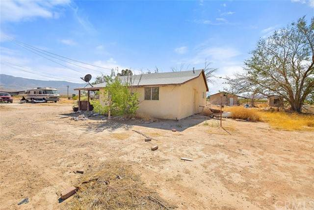 34774 Old Woman Springs Road, Lucerne Valley, CA 92356 (#CV21098477) :: American Real Estate List & Sell