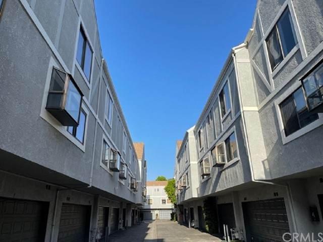 18102 Burbank Boulevard #31, Tarzana, CA 91356 (#AR21098661) :: The Laffins Real Estate Team