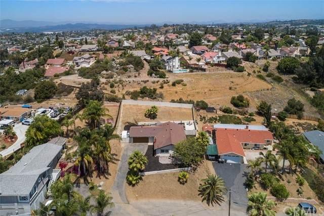 436 Victoria Place, Vista, CA 92084 (#SW21089887) :: RE/MAX Empire Properties