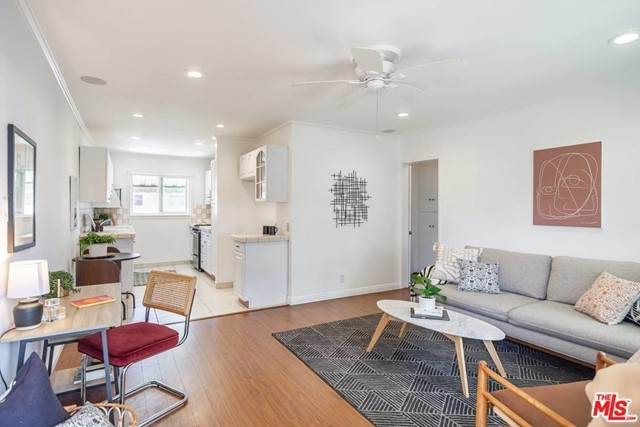 7141 Coldwater Canyon Avenue #17, North Hollywood, CA 91605 (#21726598) :: The Laffins Real Estate Team
