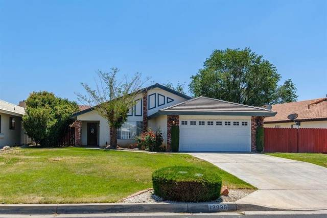 13039 Bermuda Dunes Road, Victorville, CA 92395 (#534924) :: Realty ONE Group Empire
