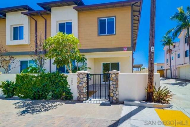1285 Donax Ave, Imperial Beach, CA 91932 (#210012383) :: Power Real Estate Group