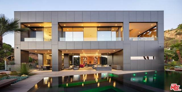 2341 Gloaming Way, Beverly Hills, CA 90210 (#21728664) :: Mainstreet Realtors®