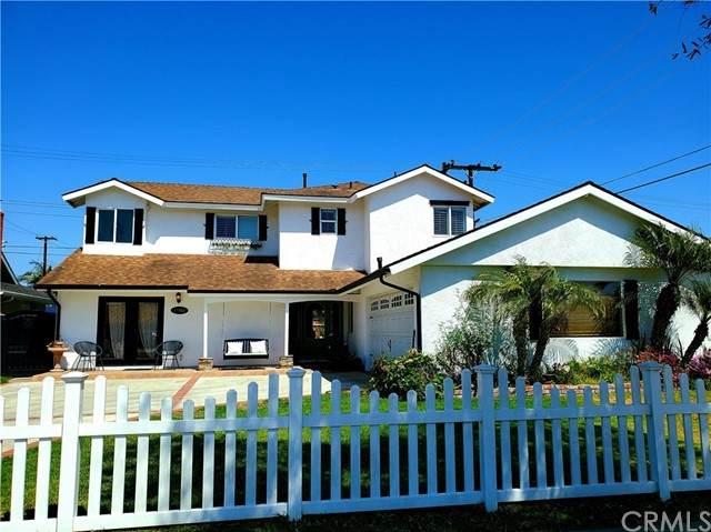 17562 Collie Lane, Huntington Beach, CA 92647 (#OC21089738) :: Compass