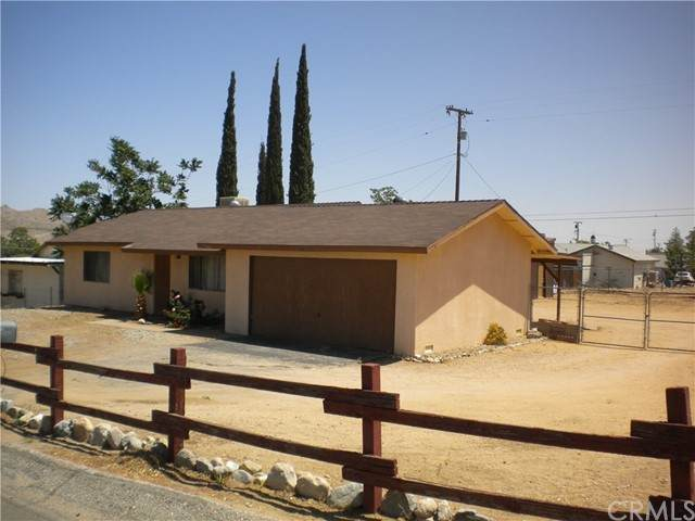 7561 Acoma, Yucca Valley, CA 92284 (#JT21098849) :: Massa & Associates Real Estate Group | eXp California Realty Inc