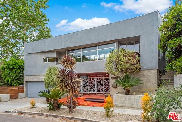 10365 Mississippi Avenue, Los Angeles (City), CA 90025 (#21729430) :: Mint Real Estate