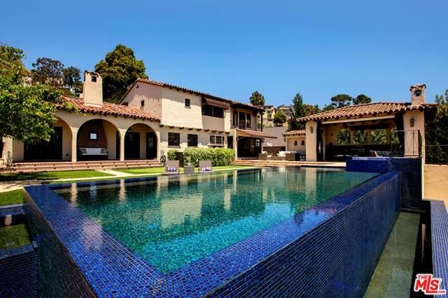 4026 Woking Way, Los Angeles (City), CA 90027 (#21728550) :: Power Real Estate Group