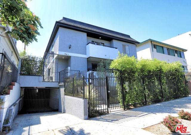 941 S Grand View Street, Los Angeles (City), CA 90006 (#21727968) :: Mint Real Estate