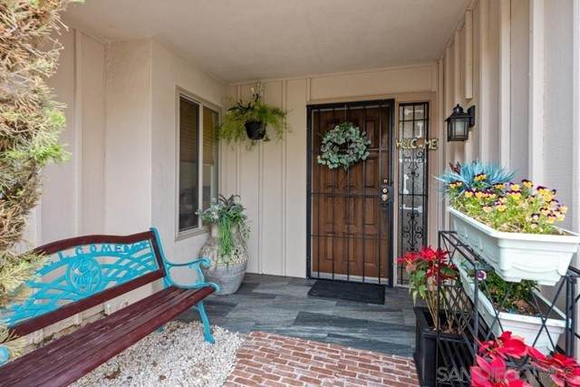 17489 Plaza Del Curtidor #187, San Diego, CA 92128 (#210012424) :: Power Real Estate Group