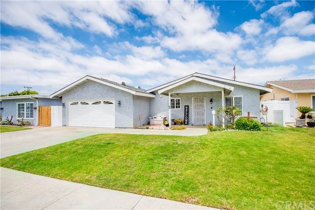 10221 Pua Drive, Huntington Beach, CA 92646 (#OC21099203) :: RE/MAX Masters