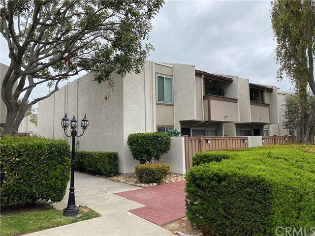 3549 Castle Glen Drive #107, San Diego, CA 92123 (#SW21099463) :: The Costantino Group | Cal American Homes and Realty