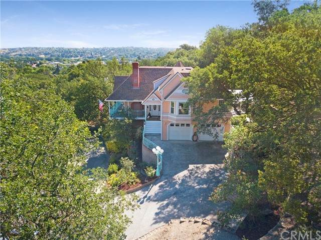 104 Fresno Street, Paso Robles, CA 93446 (#NS21097061) :: Power Real Estate Group