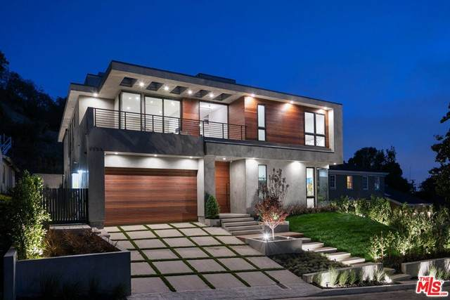 5554 Green Oak Drive, Los Angeles (City), CA 90068 (#21729566) :: Power Real Estate Group
